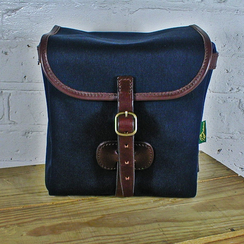 Original Peter Classic 7-inch record hunting bag (Navy), front view.